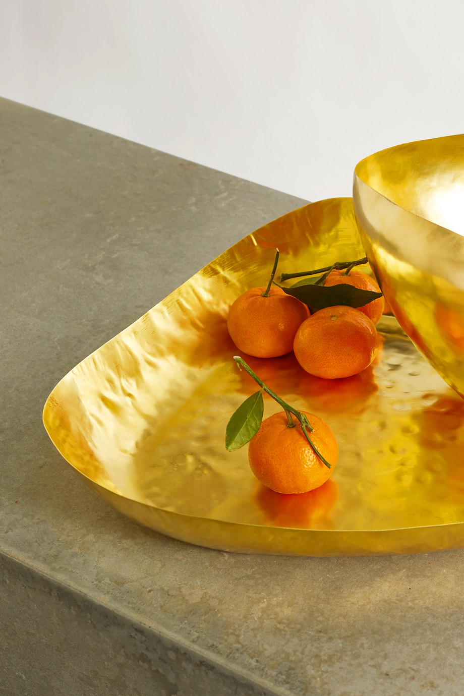 TOM DIXON Bash hammered-brass tray