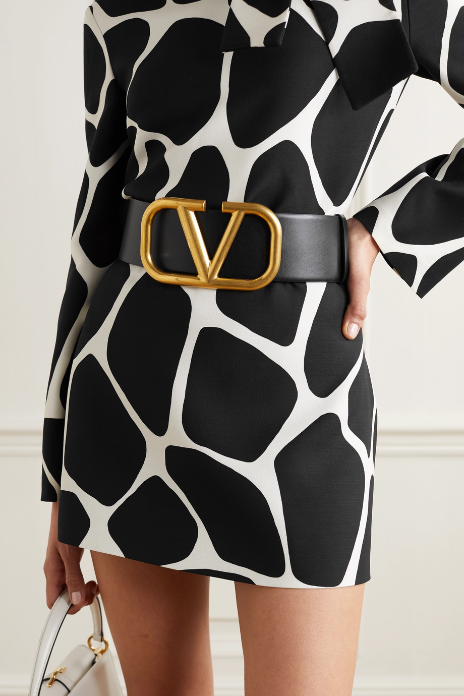 VALENTINO Reversible leather waist belt