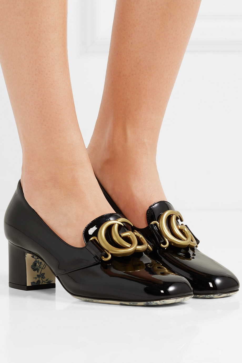 GUCCI Logo-embellished patent-leather pumps