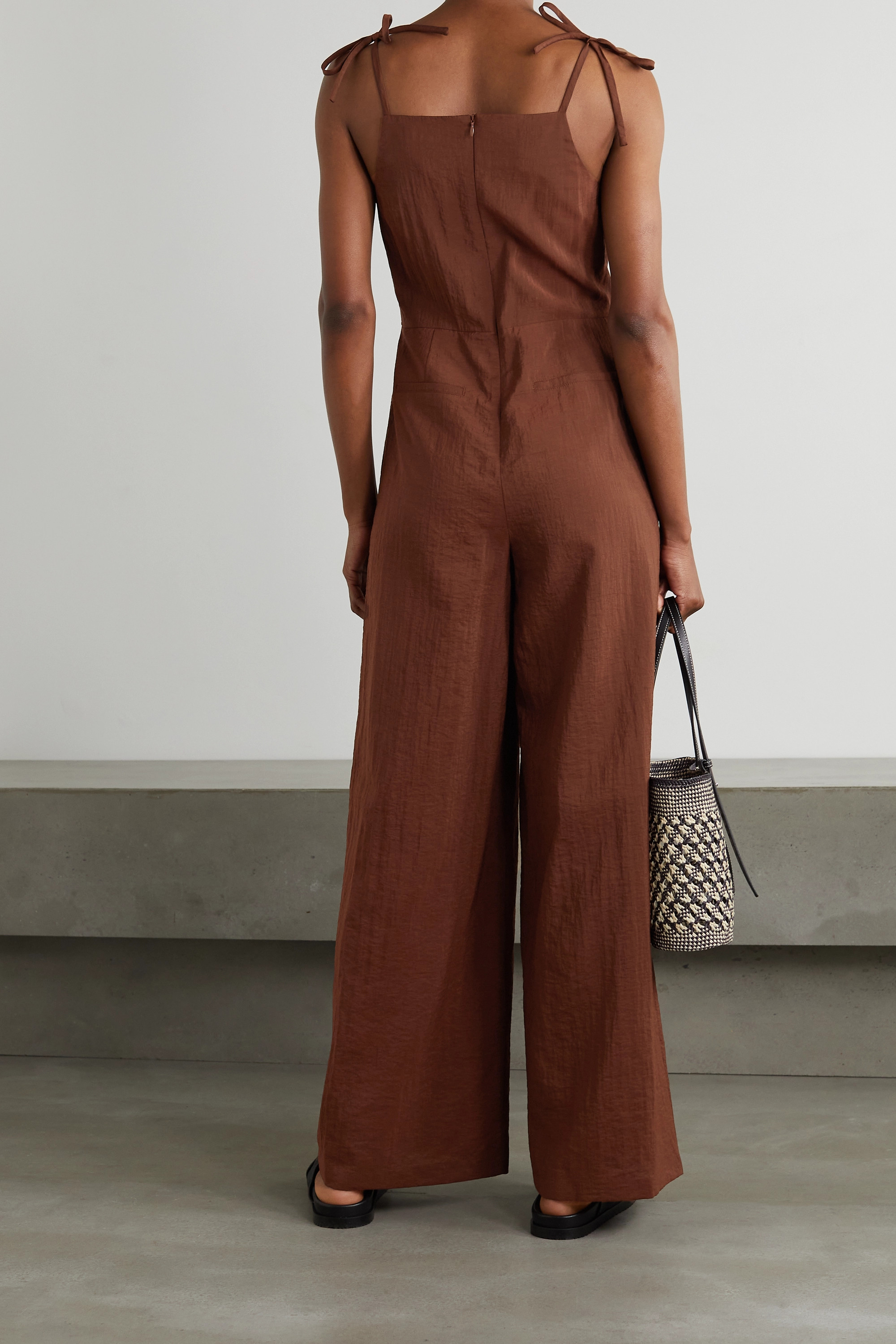 LE 17 SEPTEMBRE Tie-detailed crinkled woven jumpsuit