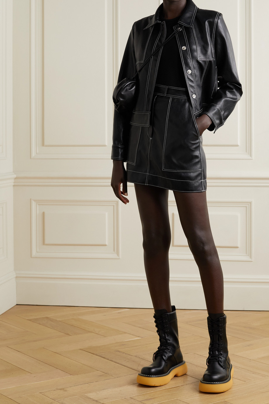 LVIR Topstitched faux leather mini skirt
