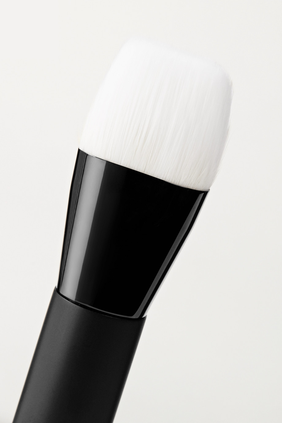RAE MORRIS Jishaku 23 Liquid Foundation Vegan Brush