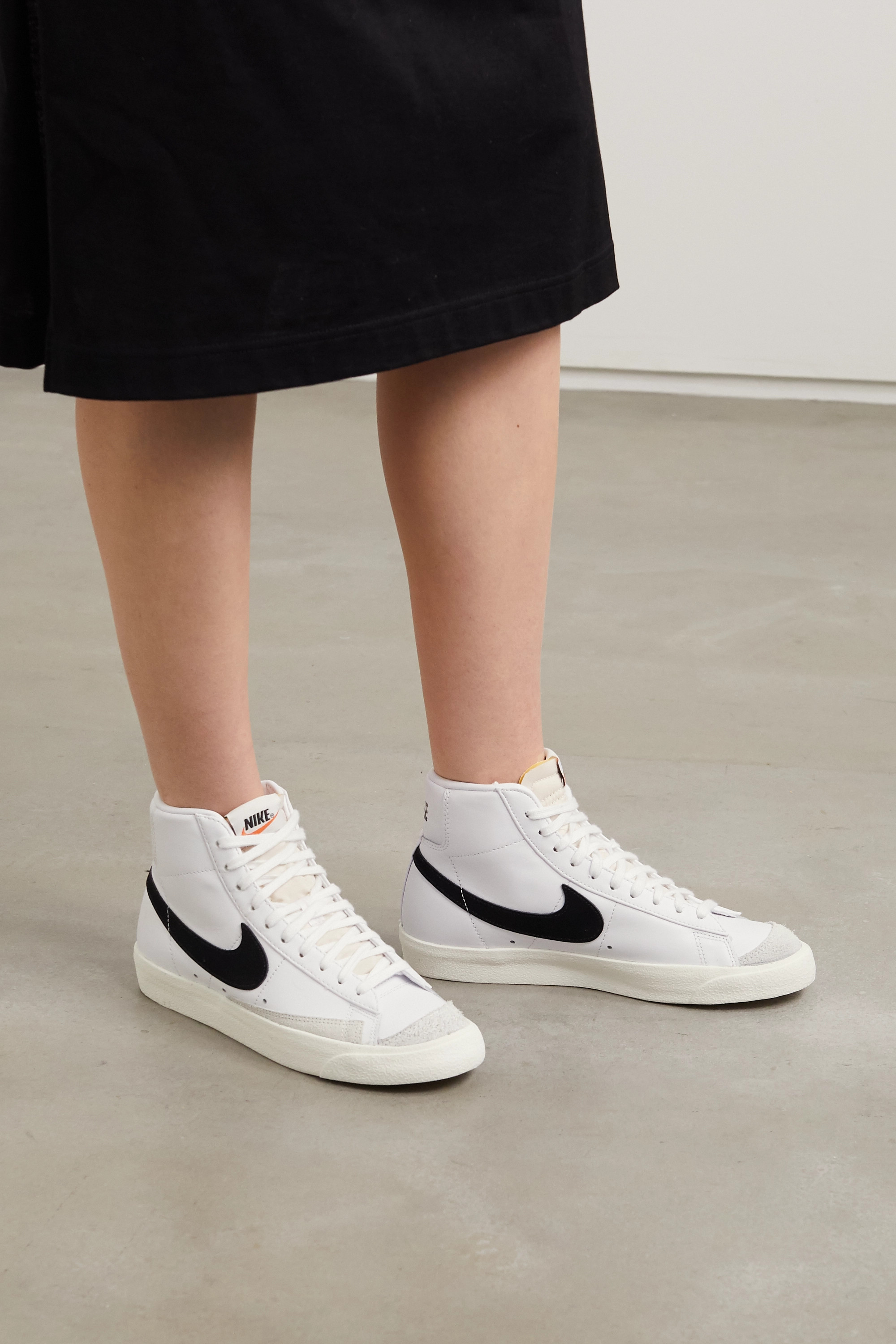 Obediencia Boquilla peso  White Blazer Mid suede-trimmed leather high-top sneakers | NET-A-PORTER |  NIKE | NET-A-PORTER