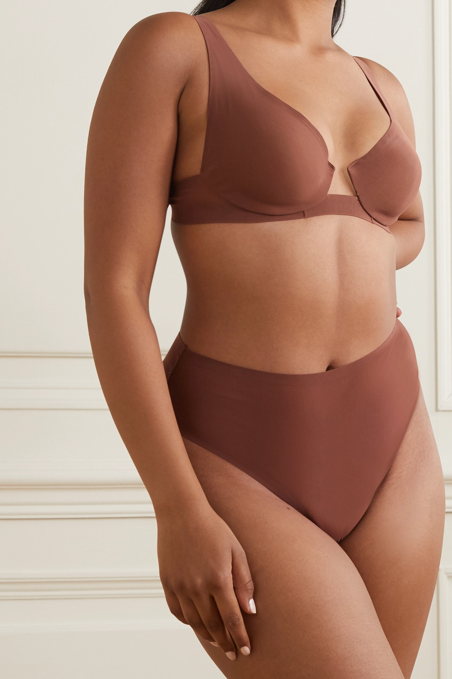 SKIMS Naked plunge bra