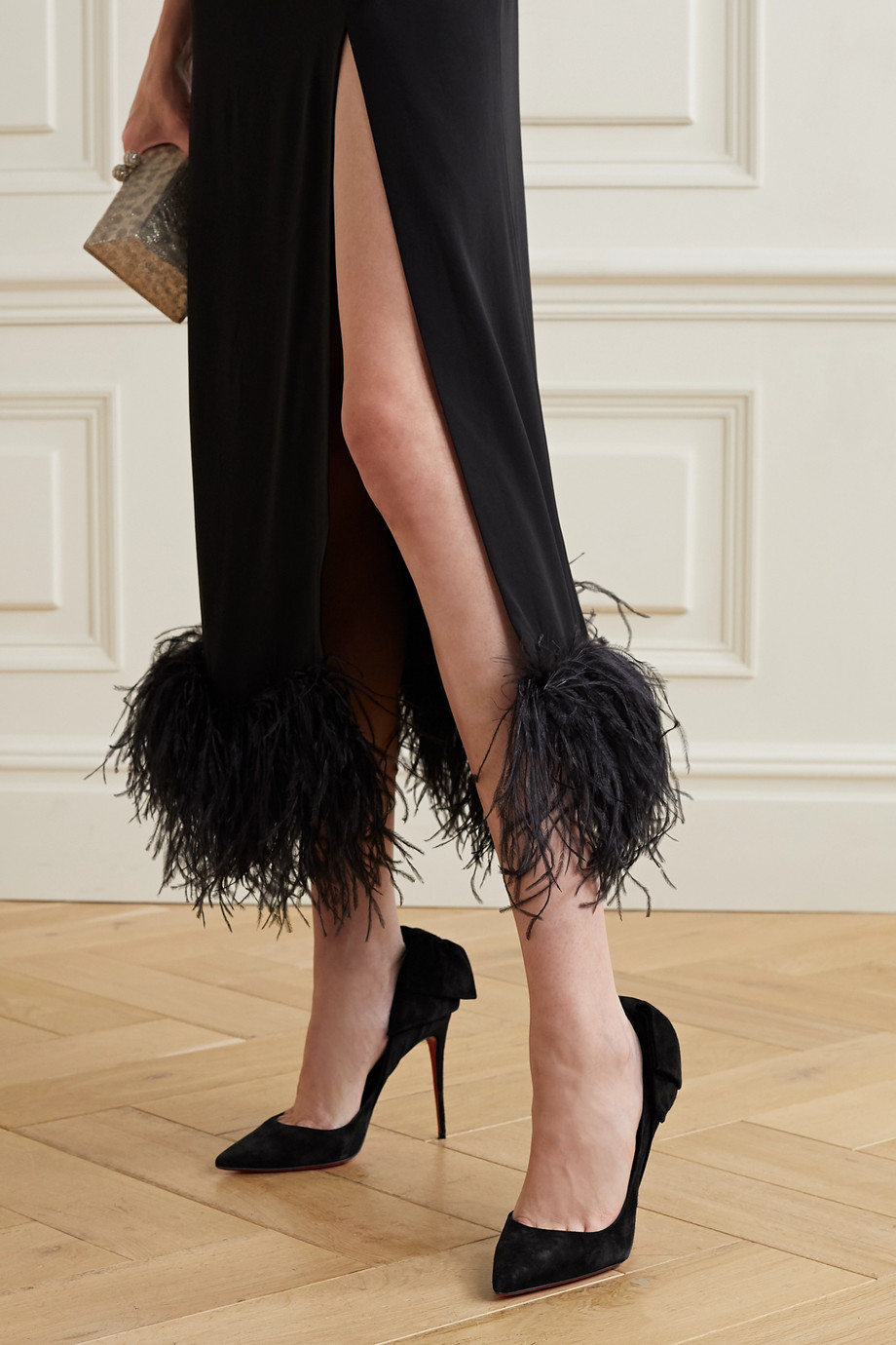 CHRISTIAN LOUBOUTIN Rabakate 100 bow-embellished suede pumps