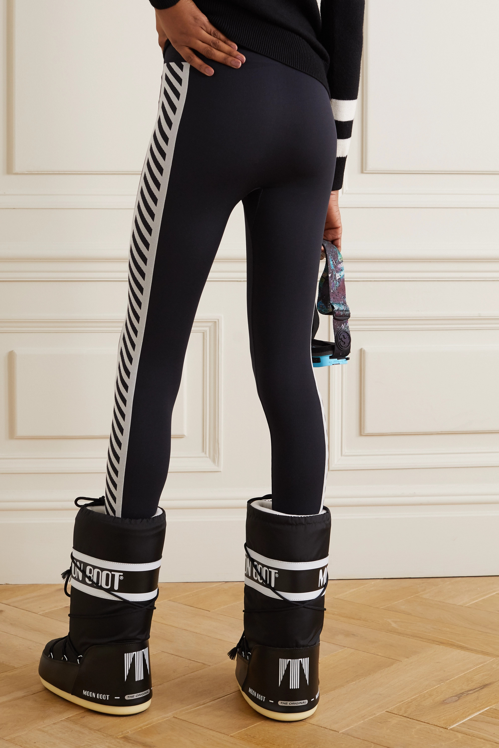 PERFECT MOMENT Zigzag Stripe Thermal stretch leggings