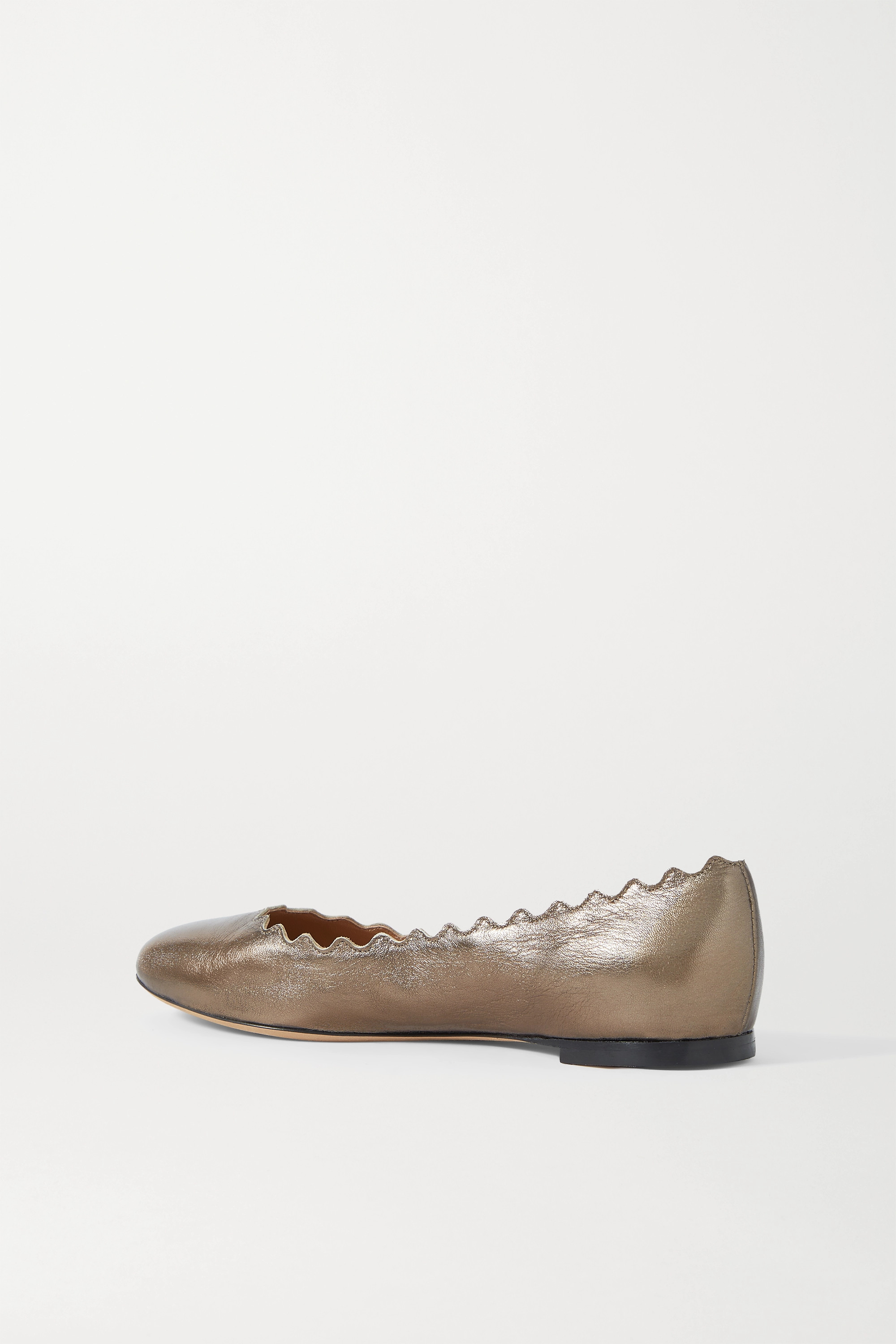 CHLOÉ Lauren scalloped metallic cracked-leather ballet flats