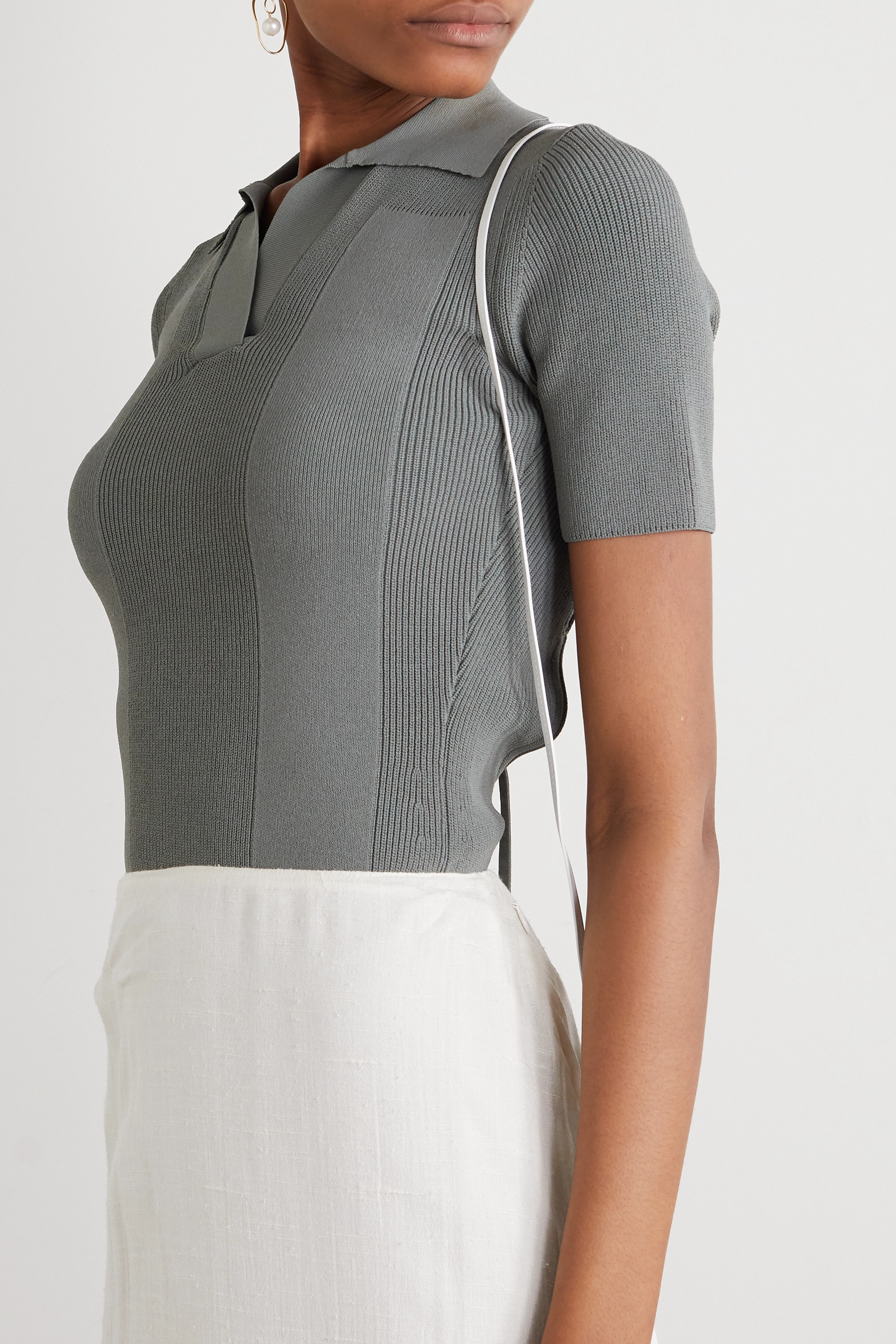 JACQUEMUS Open-back tie-detailed ribbed-knit top
